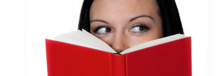 young_woman_reading_a_red_book_xxl